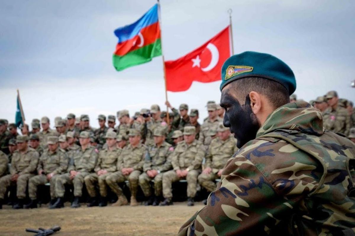 """В Турции призвали к созданию """"пантюркистской армии"""" - на южных границах России появится мощная сила"""