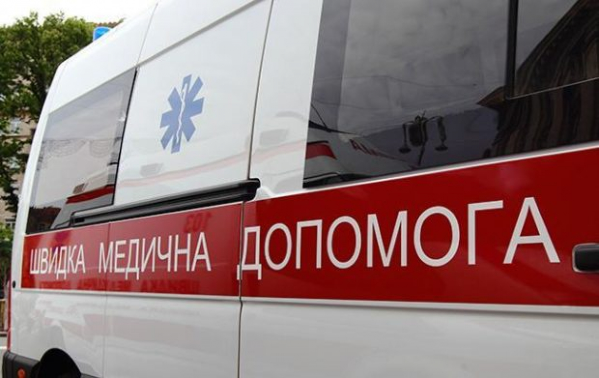 В Николаеве мать прямо в больнице покусала санитарку и забрала домой тяжелобольного ребенка, детали ЧП