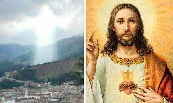 Фигура Иисуса Христа появилась в небе над Колумбией после смертельного оползня – эксклюзивные кадры