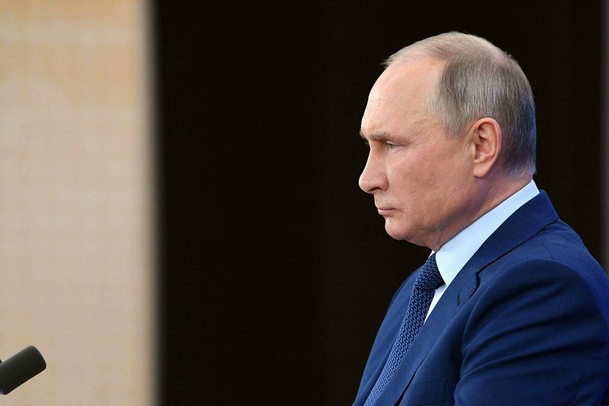 Путин попал в неловкую ситуацию, говоря о российской вакцине от коронавируса
