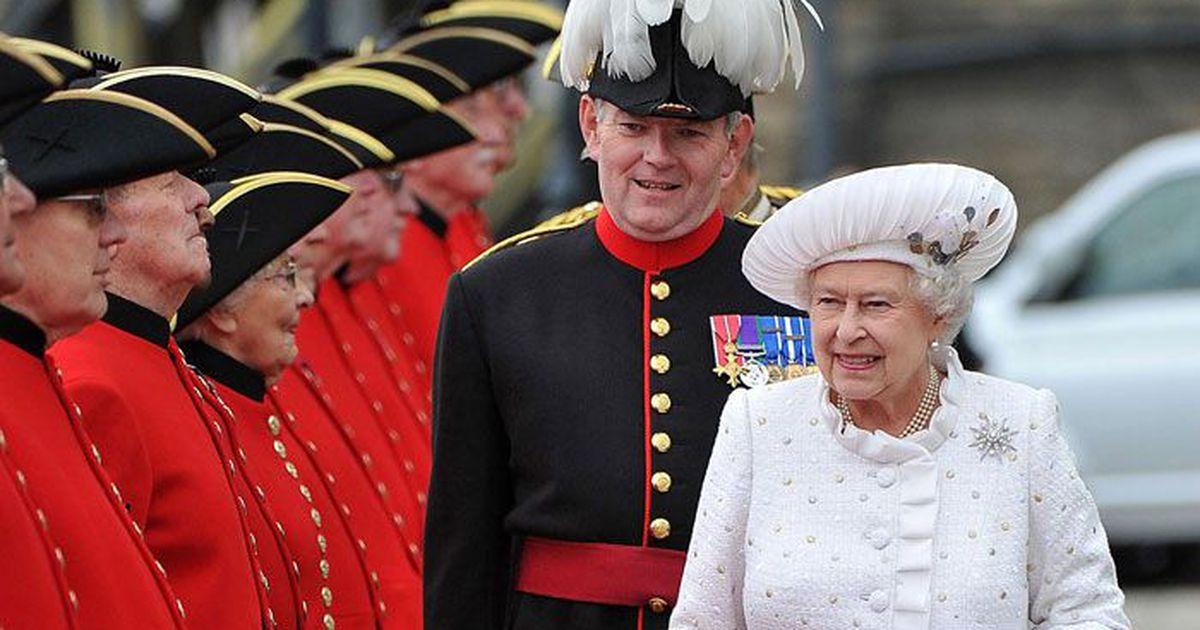 """""""Все волнуются не только за себя, но и за королеву"""", - коронавирусом заразился ближайший слуга Елизаветы II"""
