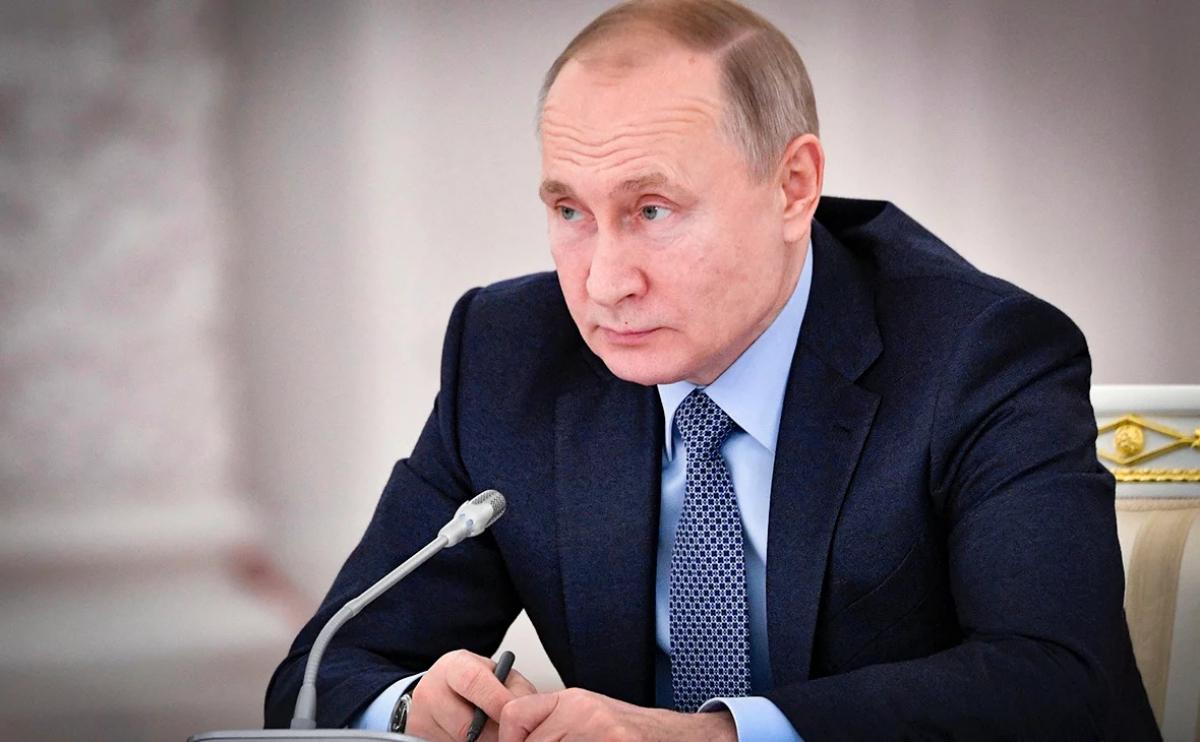 Россияне требуют от Путина отправлять врачей не в Италию, а в регионы РФ, детали