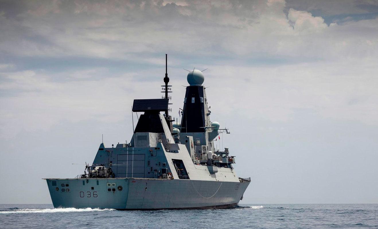 Британцев на испуг не возьмешь: опубликованы кадры с командного мостика HMS Defender