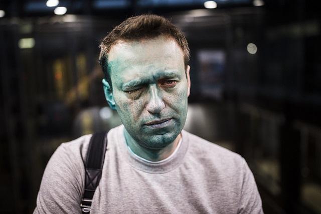 """Российский публицист Невзоров сравнил """"оппозиционера"""" Навального с керосином, который пьют вместо воды"""