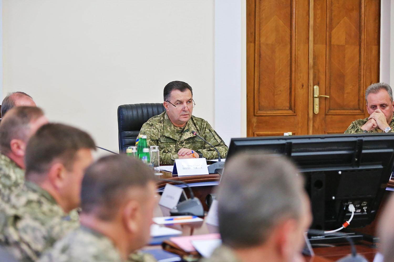 Полторак жестко наказал 23 командиров, которые кормили солдат некачественной едой, - Минобороны