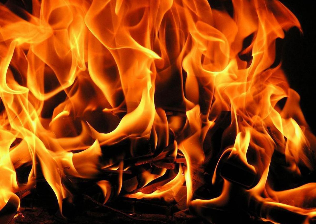 Смертельный пожар под Новосибирском и гибель пятерых детей: появились детали еще одной страшной трагедии, которую год назад пережила семья – кадры