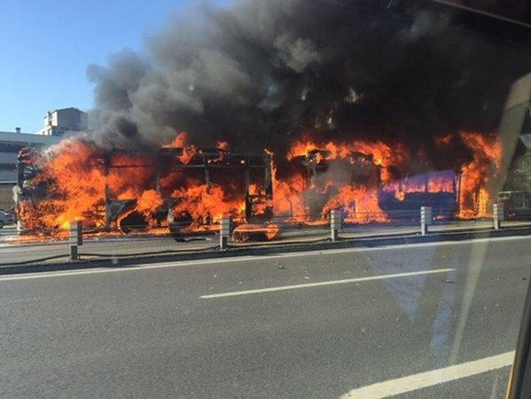 В центре Стамбула взлетел на воздух пассажирский автобус: все подробности происшествия