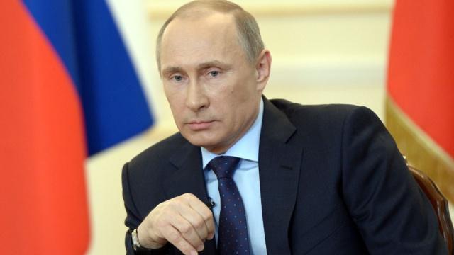 """В Кремле """"не согласны"""": у Путина молниеносно начали оправдываться перед Трампом за войну на Донбассе и вмешательство в выборы США"""