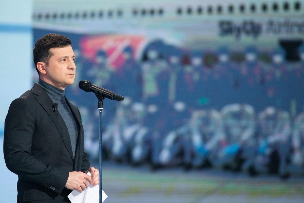Зеленский у Шустера поставил ультиматум Москве по Донбассу