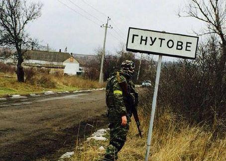 Житель Донбасса решил вспахать трактором заминированное поле и наехал на взрывчатку - Нацполиция
