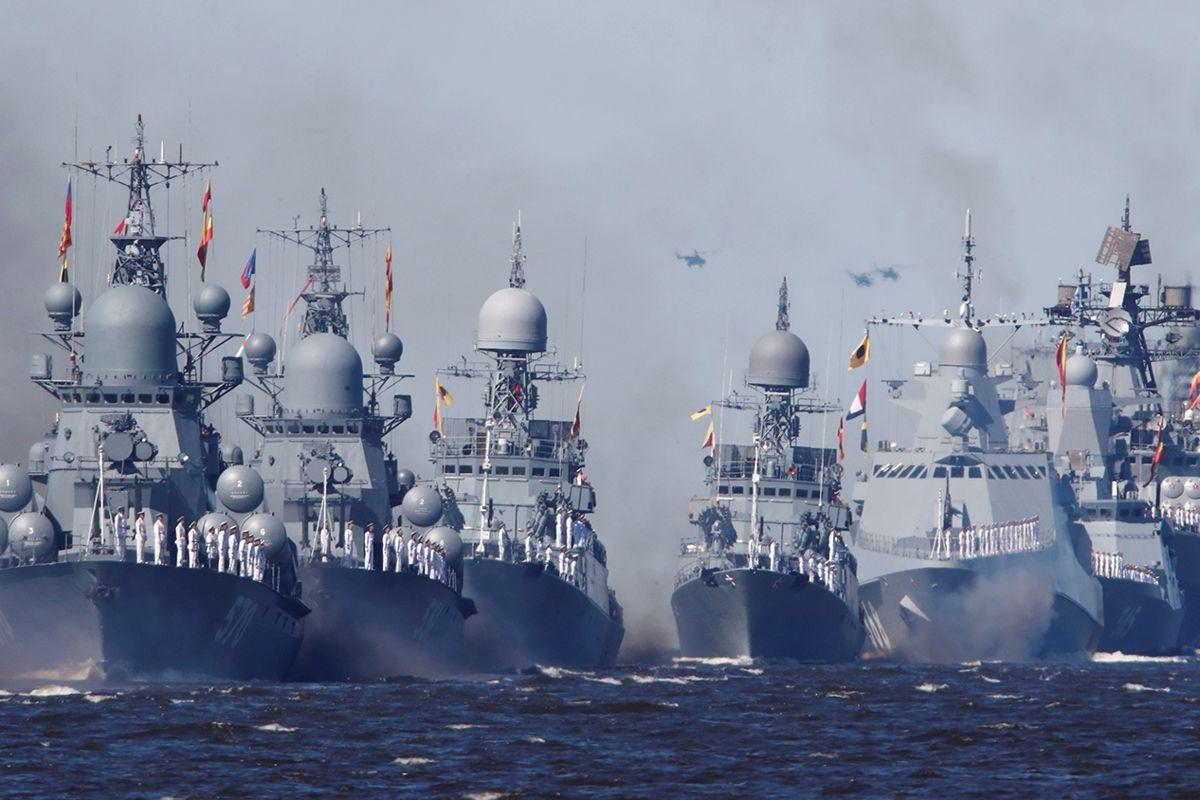 """Норвегия """"парализовала"""" флот России - корабли ВМС РФ оставили без двигателей"""