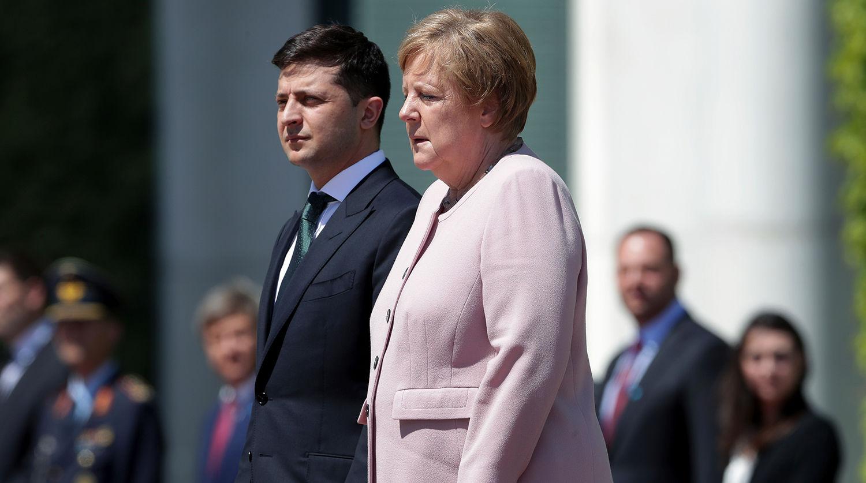 Арестович о визите Зеленского в Берлин и о том, как Меркель пошла на уступки России