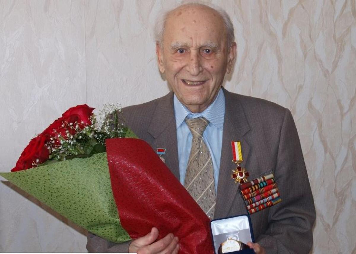В Одессе на 103-м году умер Петр Петросян, полковник медицинской службы и старейший практикующий врач