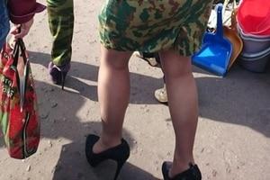 """Местный гламур по версии """"ДНР"""": в соцсетях высмеяли оркинь, не умеющих ходить на """"лабутенах"""""""