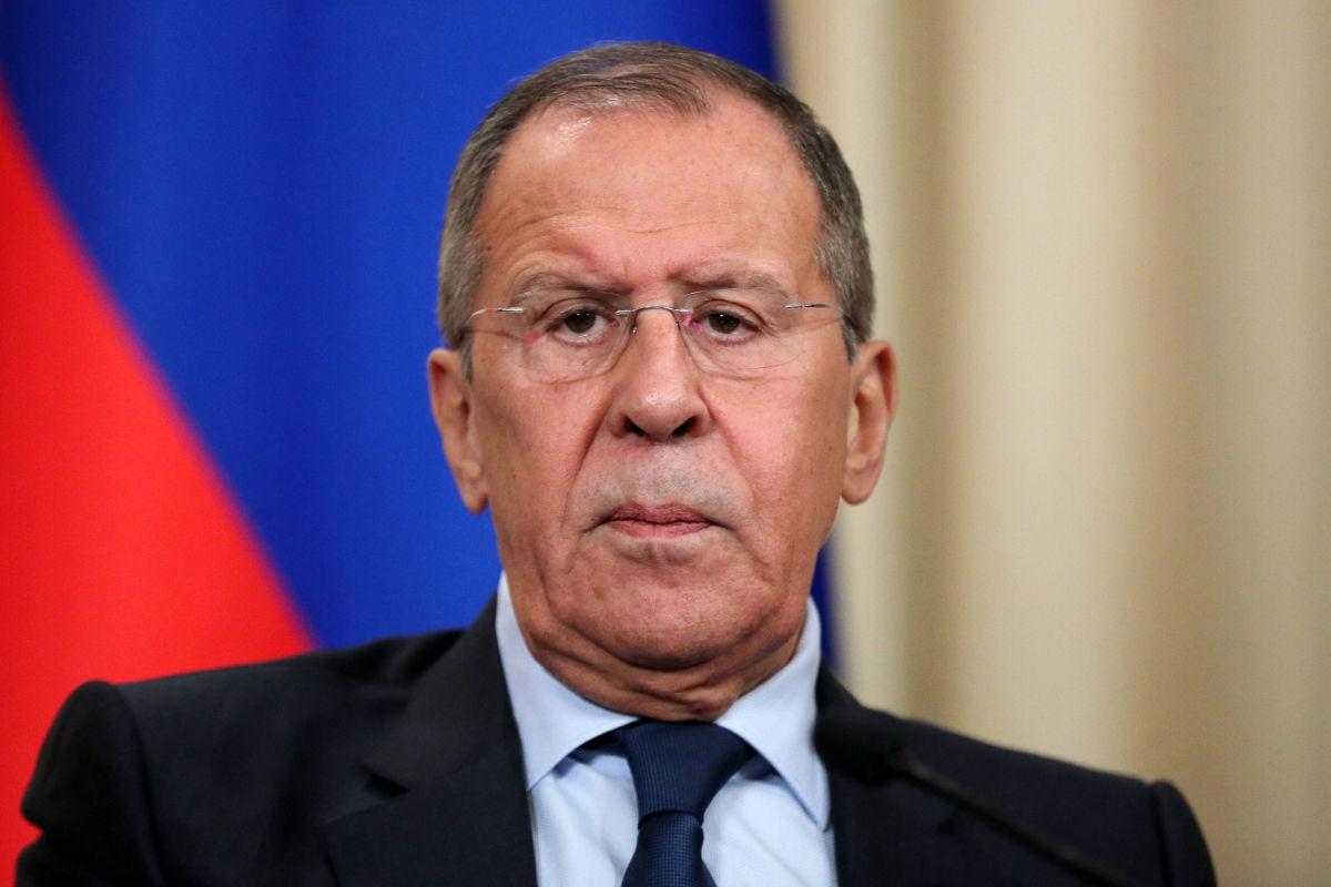 """Лавров просит Францию и Германию """"привести Украину в чувства"""" из-за Донбасса, Кулеба ответил резко"""
