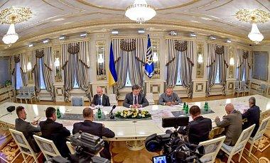 Зона АТО сузится: Подробности совещания Петра Порошенко с руководителями силовых ведомств Украины