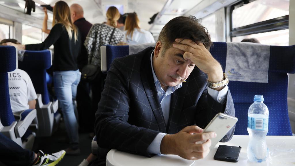 """Политолог объяснил отсутствие реакции США и ЕС на действия Саакашвили: """"Это очень красивая легенда, что за ним стоит Америка, что он здесь """"смотрящий"""" от Америки и следит за Порошенко"""""""