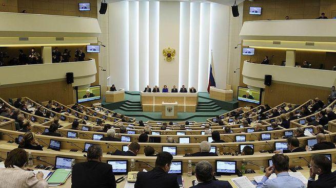 Российские власти из-за Евромайдана решили отправить на экспертизу учебник по истории: подробности