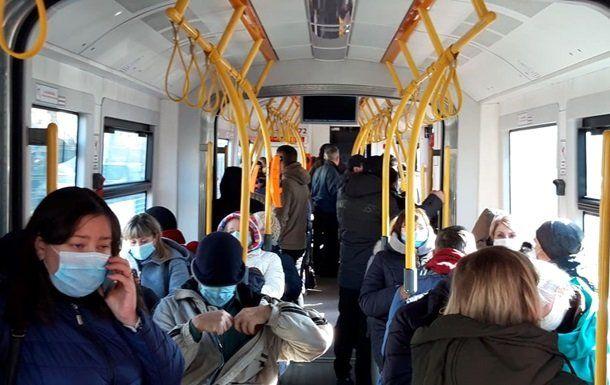 В Ровно ребенка из троллейбуса выгнали на мороз из-за надорванной купюры