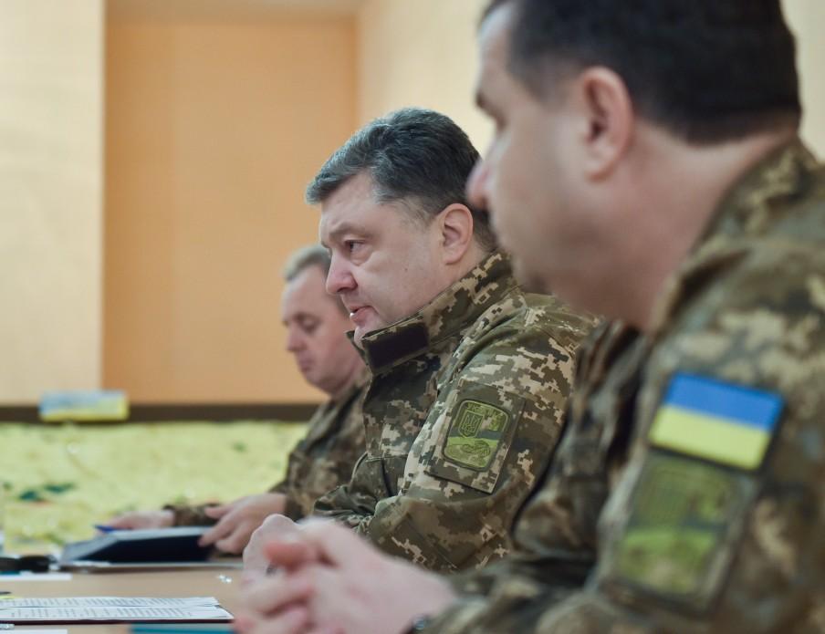 Порошенко в Краматорске: оккупанты убивают жителей Донбасса, лишая их работы и пенсий