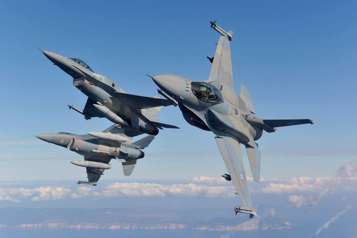 """В НАТО предупредили авиацию РФ: не собираемся первыми принимать """"удар в челюсть"""""""