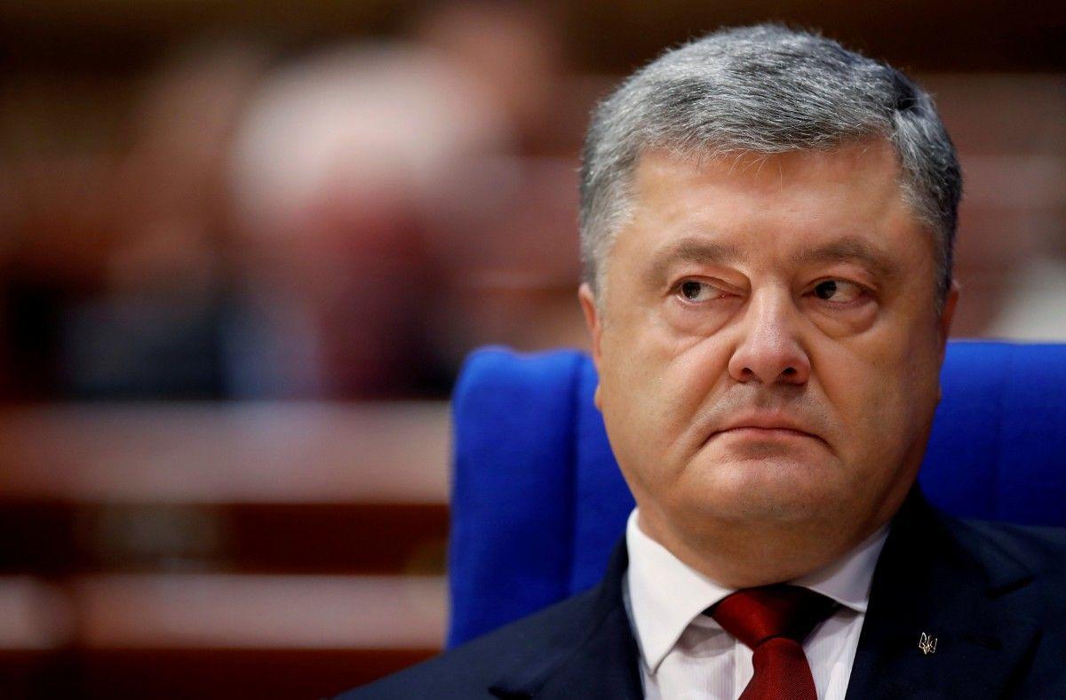 Порошенко раскрыл, за что будут введены санкции против пятерых россиян