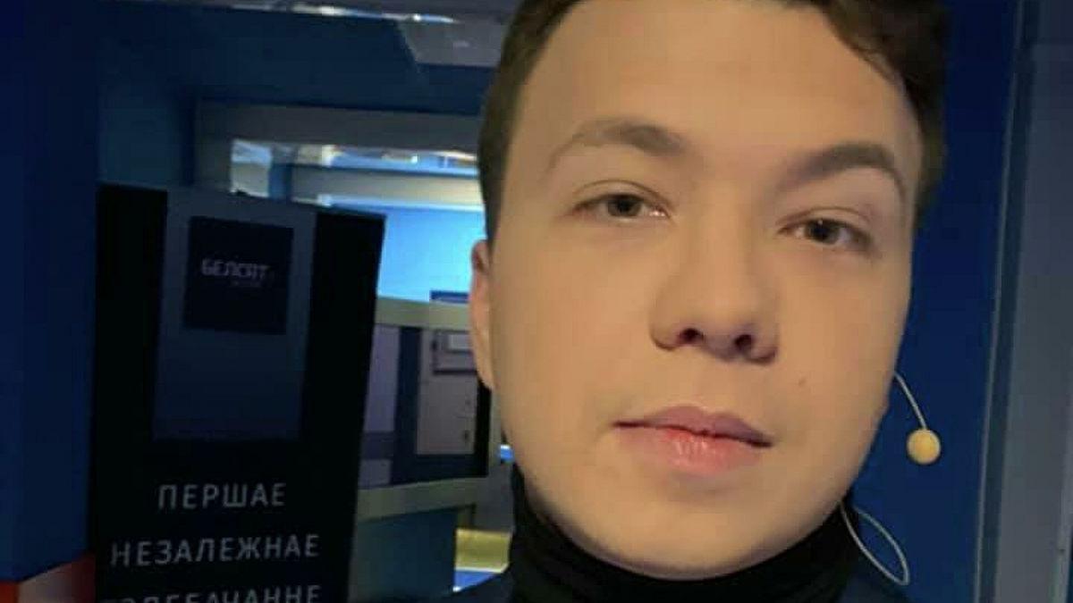 """Перед вылетом из Афин Протасевич заметил слежку: """"Меня, по ходу, гэб в аэропорту выпасывал"""""""
