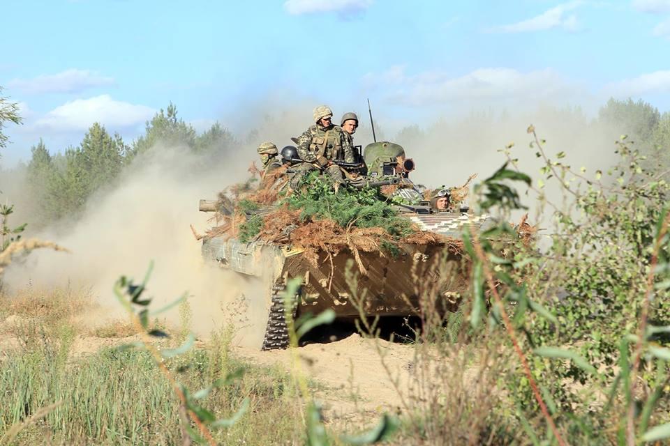 Пехота ВСУ уничтожила опорные пункты противника: в Сети появились кадры с масштабных украинских учений на Черниговщине