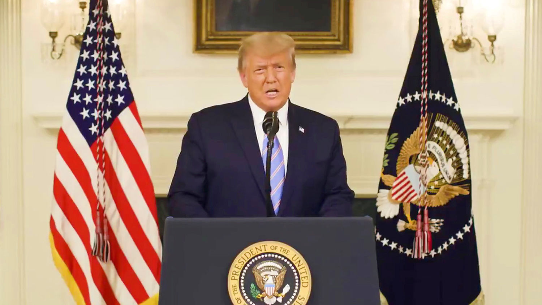 Импичмент Трампу: СМИ узнали, как отреагировал хозяин Белого дома