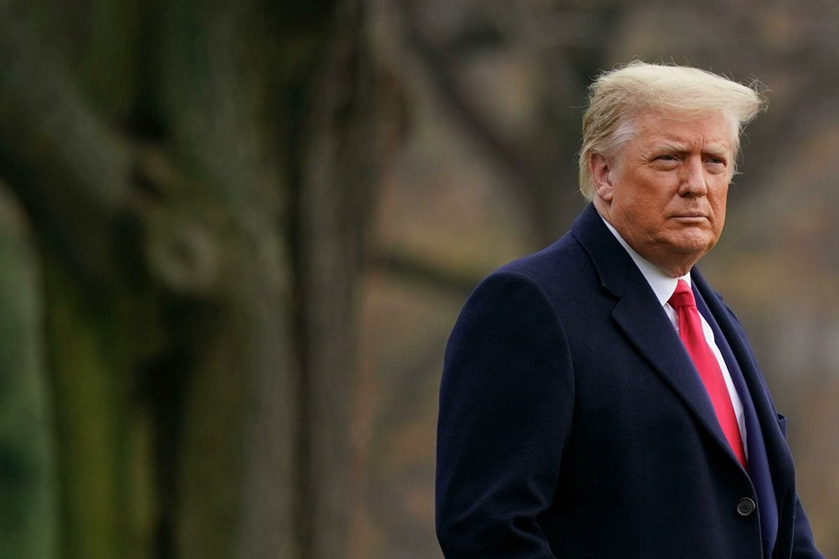 """Трампа после захвата Капитолия могут лишить доступа к """"ядерной кнопке"""": """"Он нестабилен"""""""