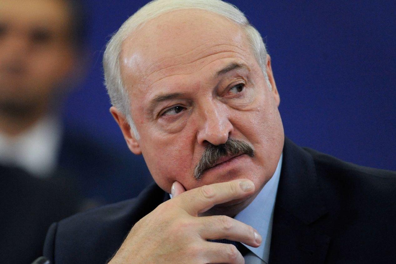 """""""Ждем"""", - Песков публично пригласил Лукашенко в Крым"""