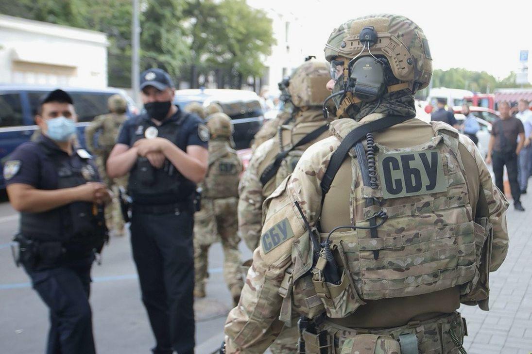 """""""Сказал, что таким недолго осталось"""", - два полковника СБУ арестованы за работу на Россию"""