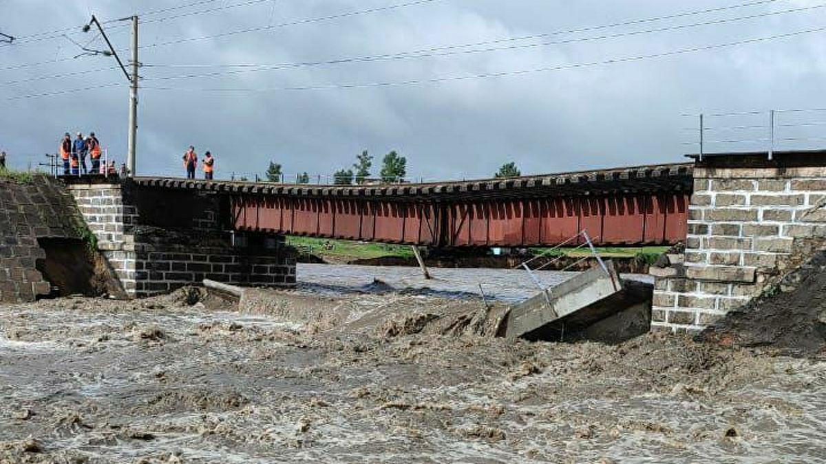 Сообщение РФ и Китая нарушено - рухнул ж/д мост на забайкальском участке Транссиба