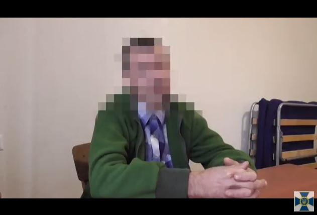 """Задержанный на Луганщине наемник РФ рассказал сотрудникам СБУ всю правду о """"службе"""" в рядах террористов: в Сети появились эксклюзивные кадры признания"""
