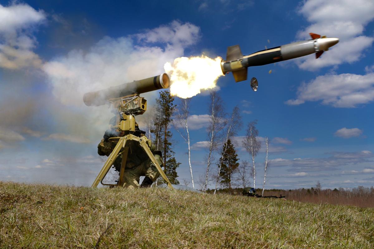 Точно в цель: видео, как ВСУ подавили огонь российского снайпера выстрелом из противотанковой ракеты
