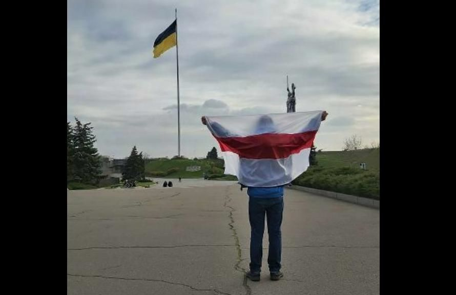 """""""Спасибо Богу за Украину!"""" - сбежавшие от Лукашенко в Киев белорусы благодарят Украину"""