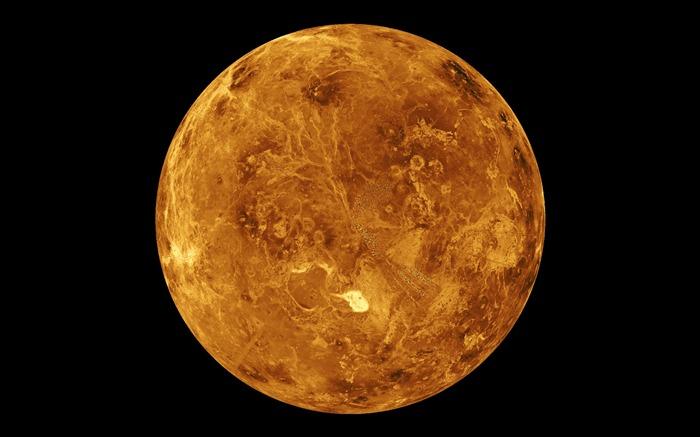Ученые предполагают, что в прошлом Венера была покрыта обширными морями и океанами