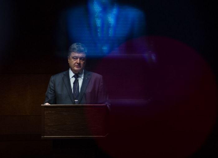 """Как Порошенко в Вашингтон летал: красная дорожка в аэропорту и """"аншлаг"""" на выступлении"""