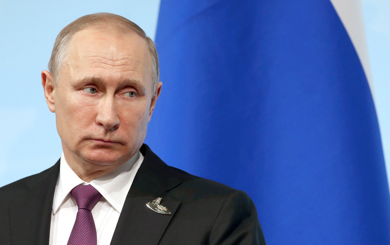 """Кинут как наживку: эксперт разъяснила, что и как скоро подтолкнет Путина сделать заявление о признании """"Малороссии"""" - кадры"""