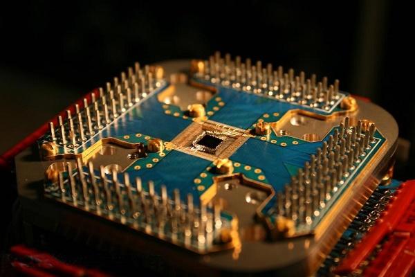 квантовый компьютер,наука,техника,образование