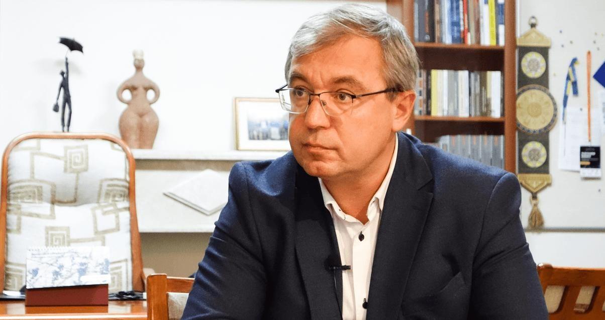 """Приговор Стерненко: в фонде """"Возрождение предложили ввести санкции против судов Украины"""