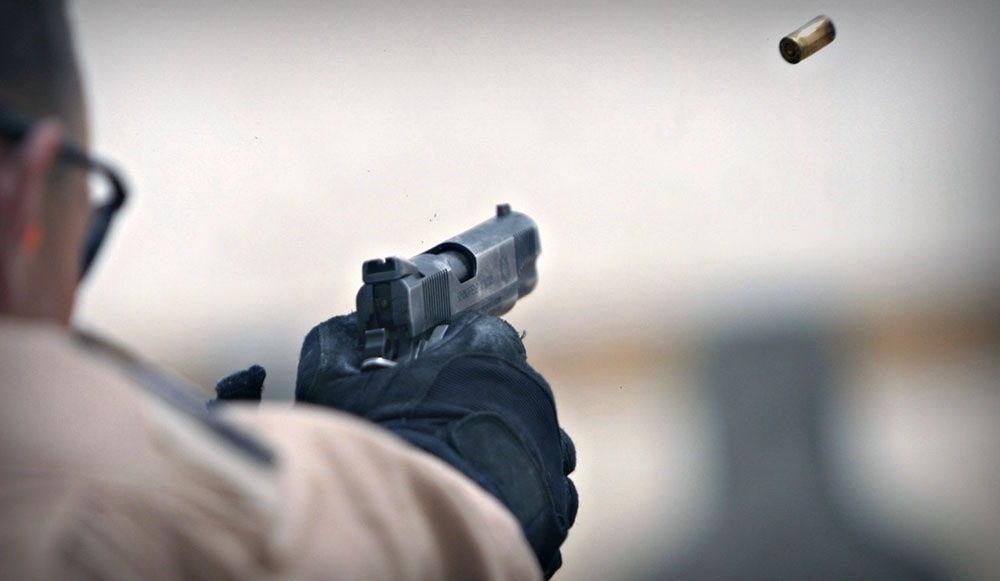 В Киеве неизвестный стрелял в дорожников во время ремонтных работ – есть пострадавший