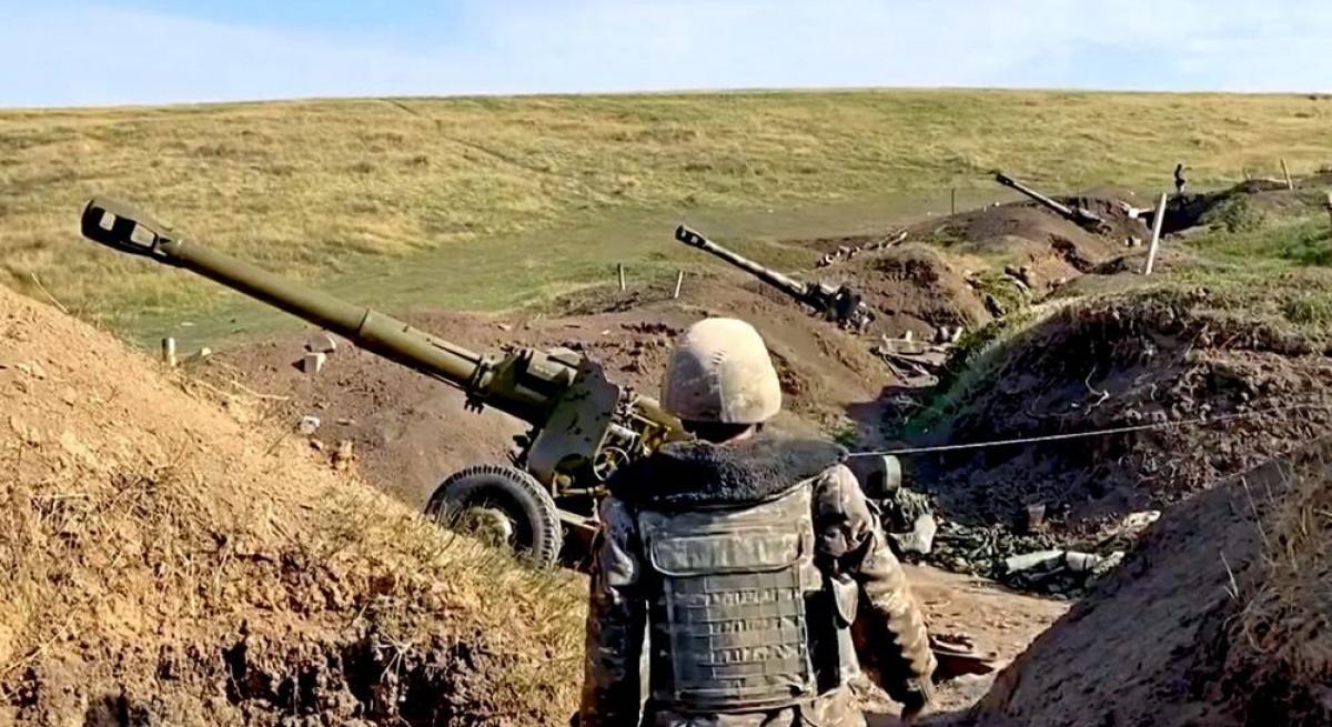 Война за Карабах: армяне сообщают об обстрелах Шуши и Степанакерта - в Баку отреагировали