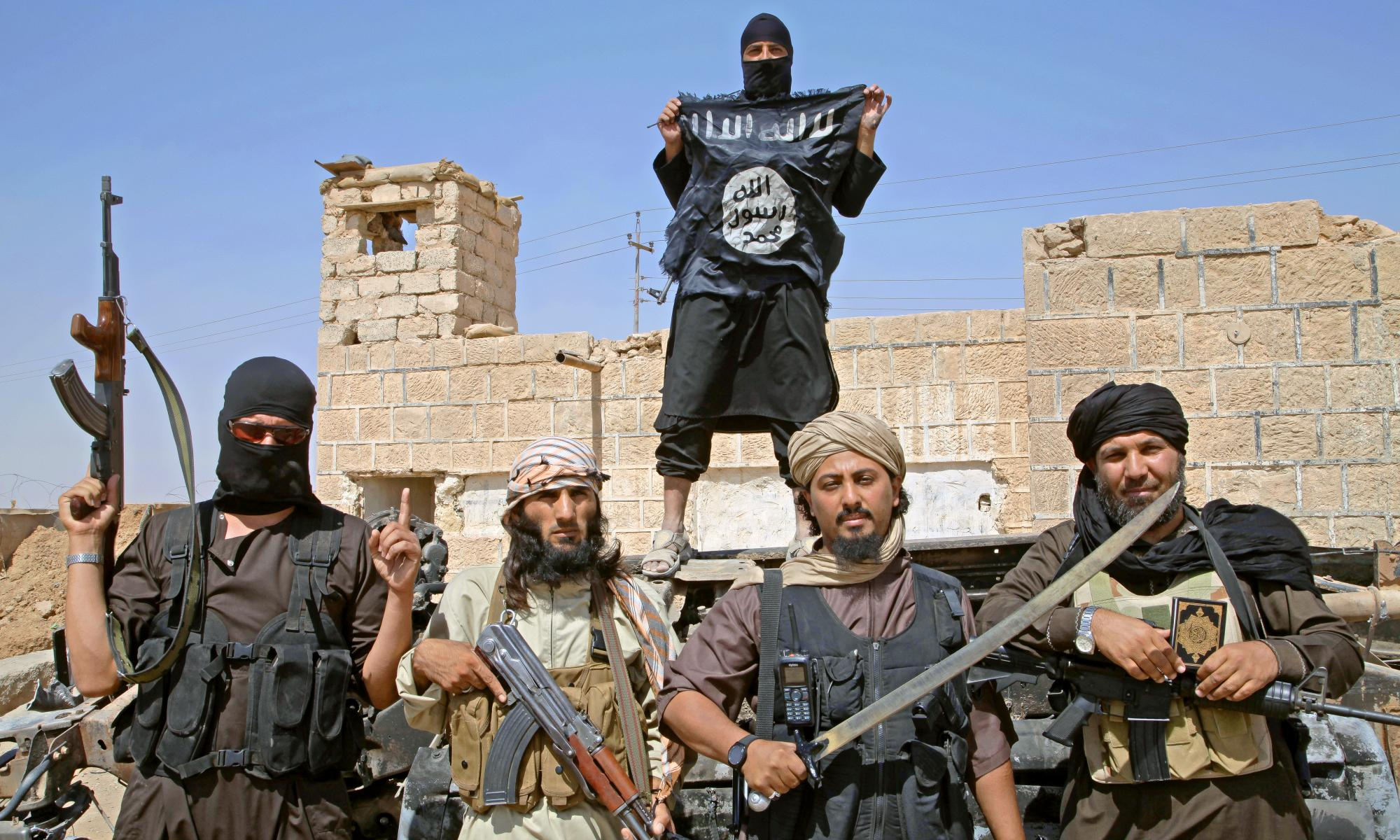 сомали представлены картинки с боевиками лет