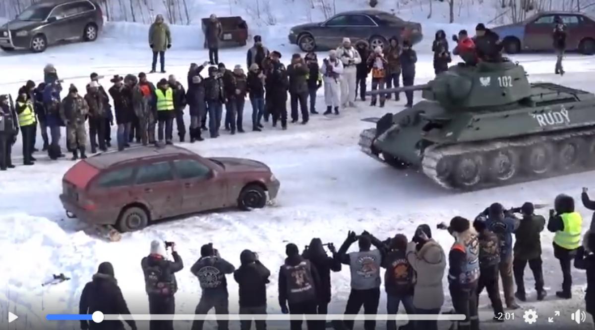 Россия, танк, раздавили Mercedes, СССР