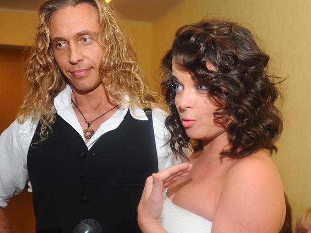 Королева и Тарзан разводятся: любовницы стриптизера выложили в Сети компромат на мужа Русалки - фото