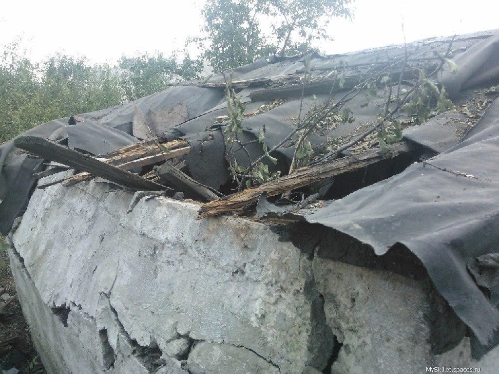 Поселок Лидиевка после ночного обстрела: полностью разрушенный частный сектор и изрытая снарядами земля