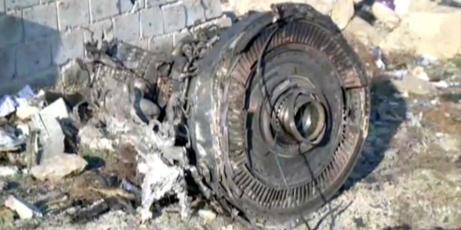 """""""На двигателях нет следов пожара"""", - Бутусов о расследовании крушения самолета МАУ Boeing 737"""