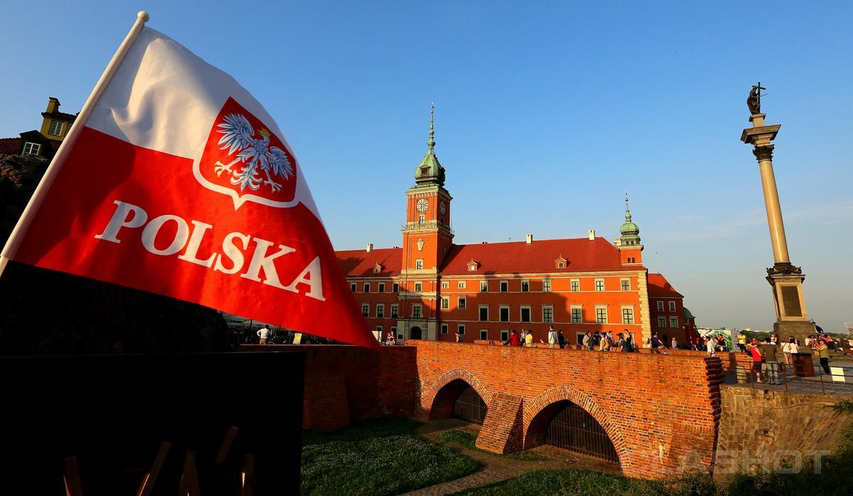 """Польша приглашает на работу граждан Украины без """"заморочек """" с рабочими визами"""
