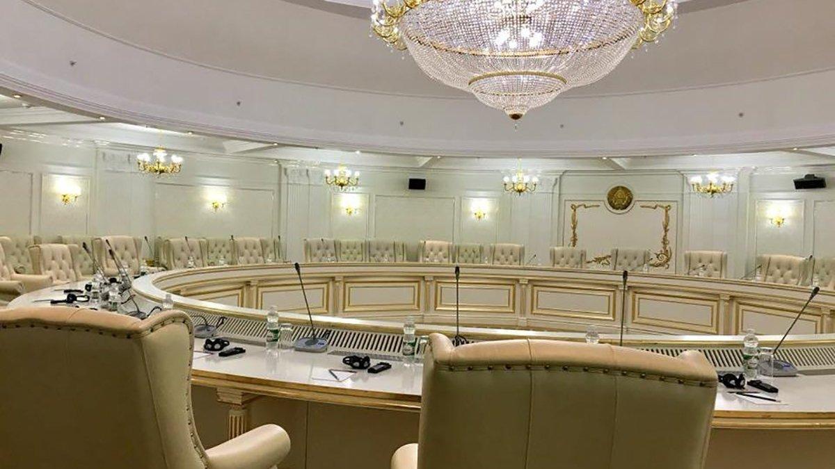 Экстренное заседание ТКГ соберут из-за сильнейших обстрелов на Донбассе